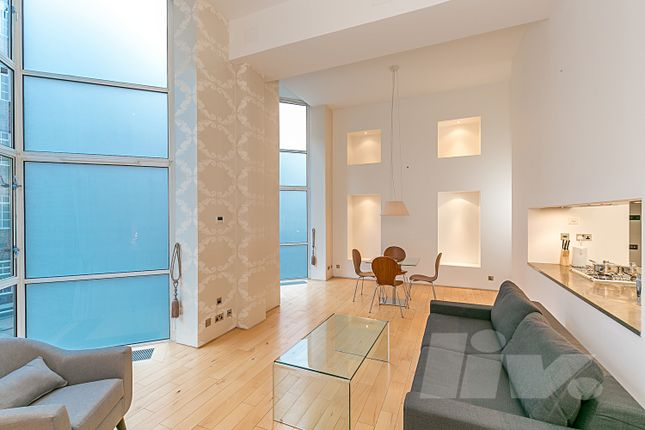 2 bed flat for sale in Hall Road, London