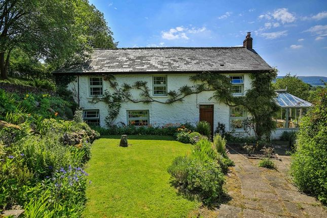 Thumbnail Farmhouse for sale in Hillside, Llangattock, Crickhowell