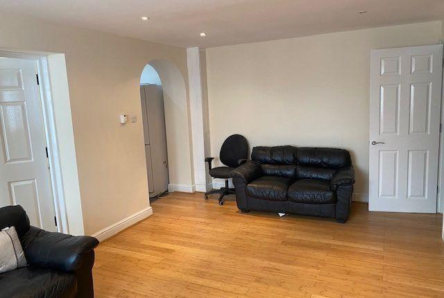 Studio to rent in Long Elms Road, Harrow HA3