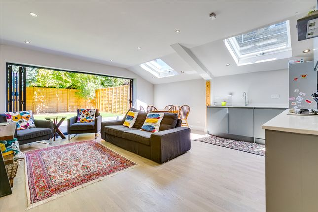 Thumbnail Flat to rent in Wardo Avenue, London