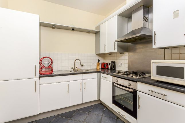 Thumbnail Property to rent in The Vulcan, Gunwharf Quays, Portsmouth