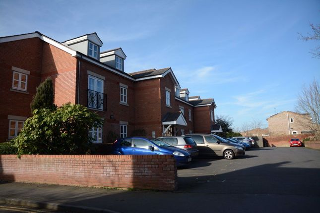 Thumbnail Flat to rent in Knights Court, Warwick