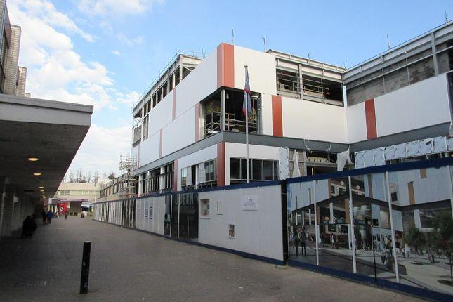 Thumbnail Flat to rent in Brunswick Square, Homefield Rise, Orpington, Kent