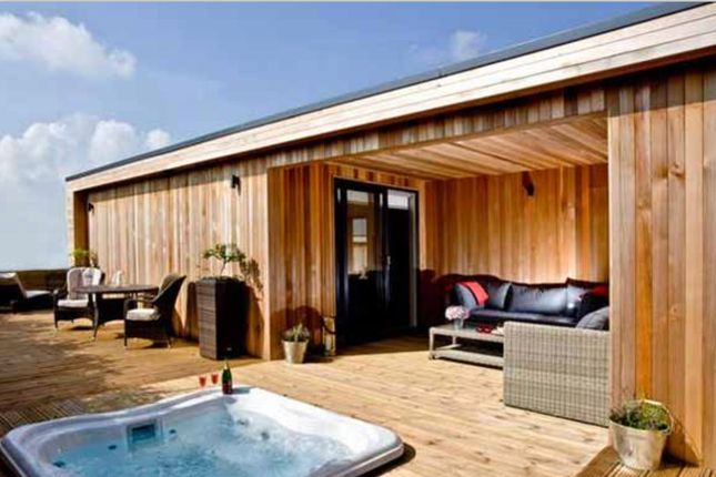 2 bed detached bungalow for sale in Fritton Lake Retreats, Fritton, Norfolk