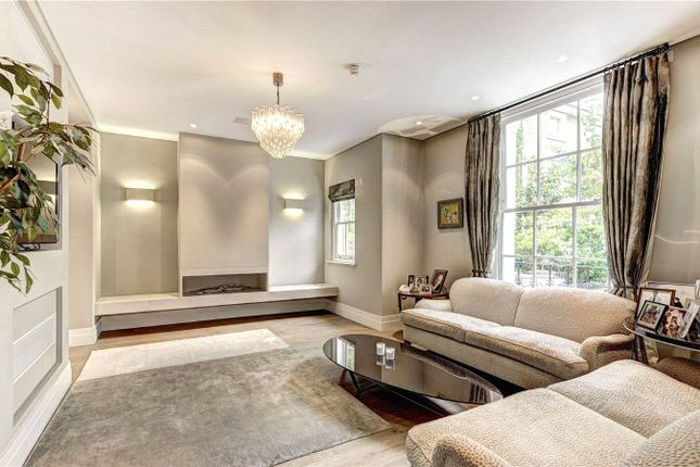 Family Room of Clifton Hill, St John's Wood, London NW8