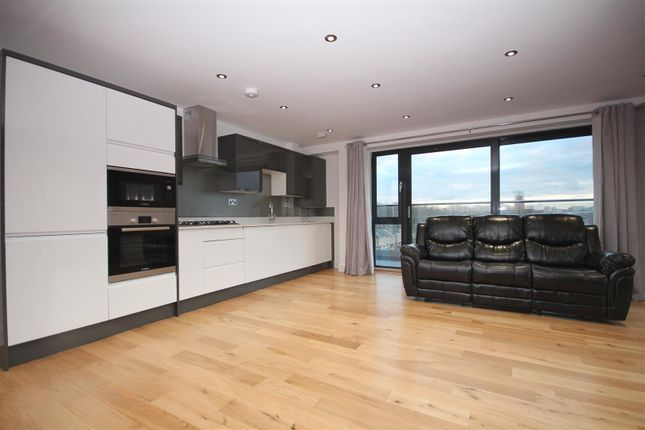 Thumbnail Flat for sale in 54B Trundleys Road, London