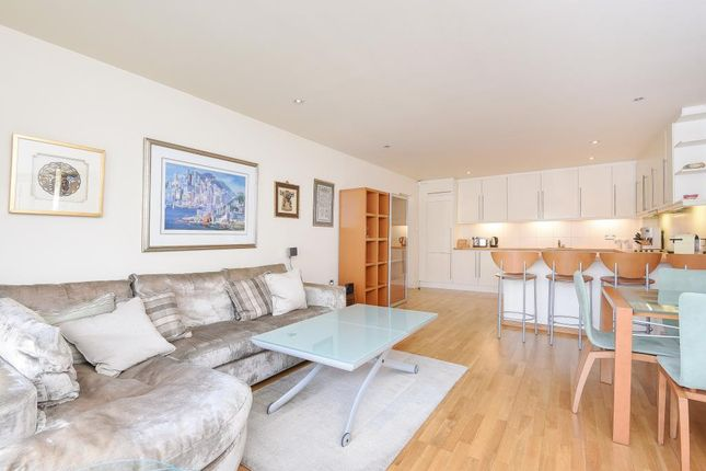 Thumbnail Flat to rent in The Baynards, Hereford Road