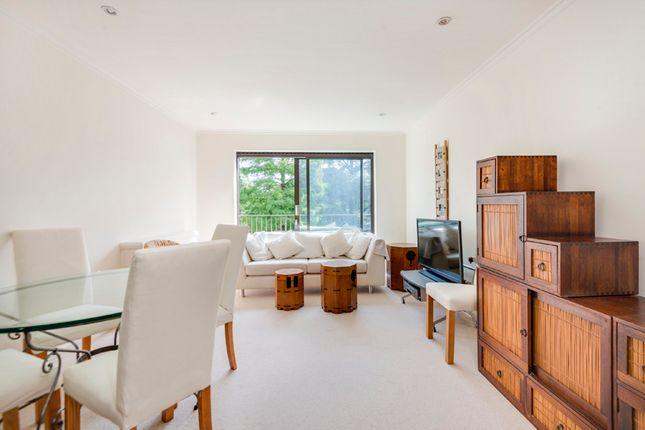 Flat to rent in The Brookdales, Bridge Lane, London