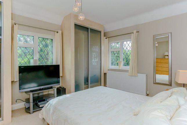 Picture No. 18 of Mile House Lane, St. Albans, Hertfordshire AL1