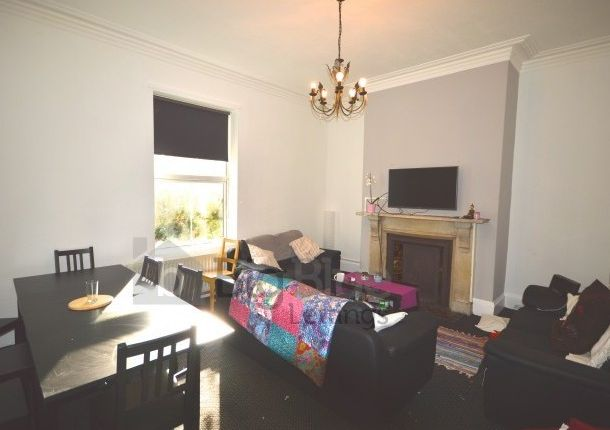 Thumbnail Terraced house to rent in 20 Hyde Park Terrace, Hyde Park, Eight Bed, Hyde Park, Leeds