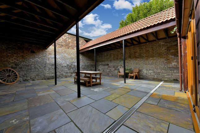 Courtyard of Bannerman Avenue, Inverkeithing KY11