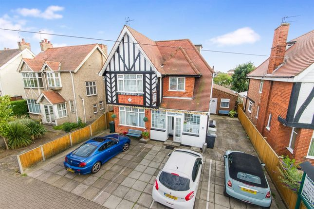 Thumbnail Hotel/guest house for sale in Sea View Road, Skegness