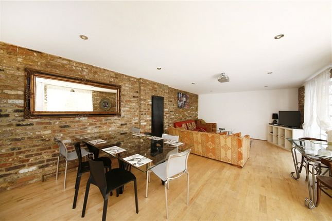 Thumbnail Flat to rent in Fullwood's Mews, Old Street, London