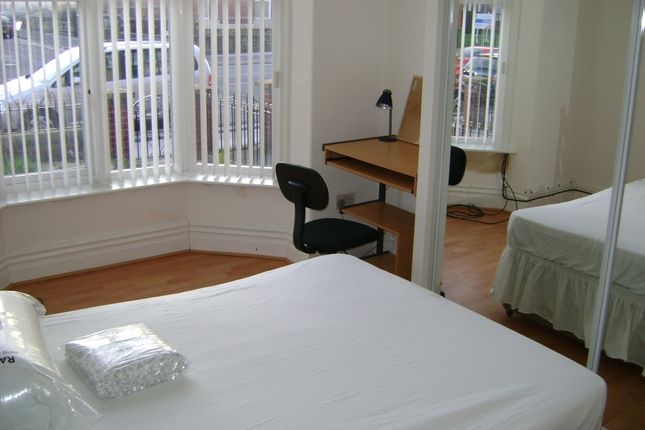 Thumbnail Flat to rent in Mortfield Lane, Bolton