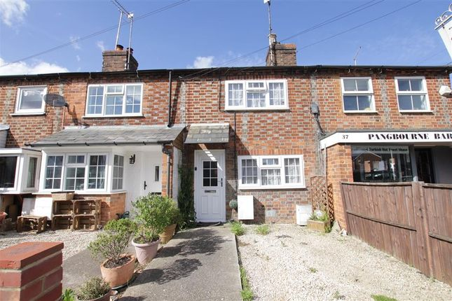 Thumbnail Terraced house to rent in Reading Road, Pangbourne, Reading