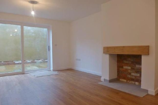 Thumbnail Property to rent in Latimer Street, Romsey