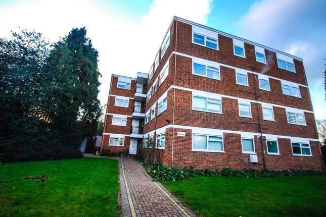 Thumbnail Studio to rent in Lynwood Close, London
