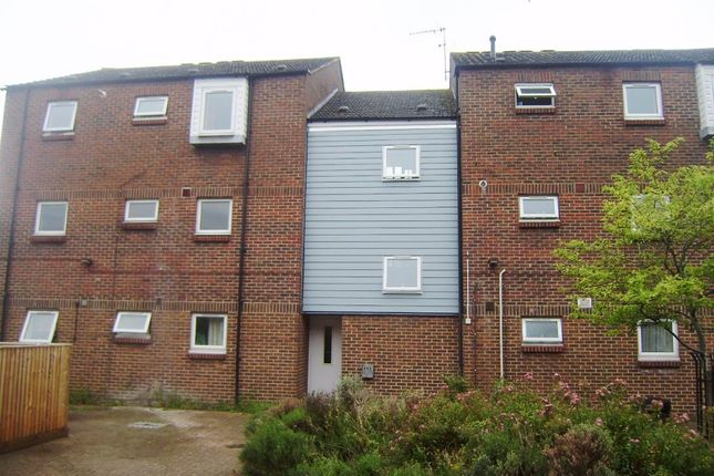 2 bed flat to rent in Didcot, Oxfordshire