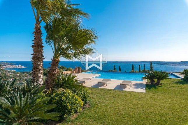 Thumbnail Villa for sale in Grimaud, 83120, France