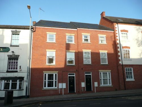 Thumbnail Town house to rent in West Street, Warwick