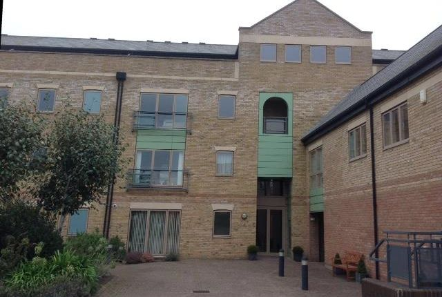 Thumbnail Flat for sale in Marine Approach, Burton Waters, Lincoln, Lincolnshire