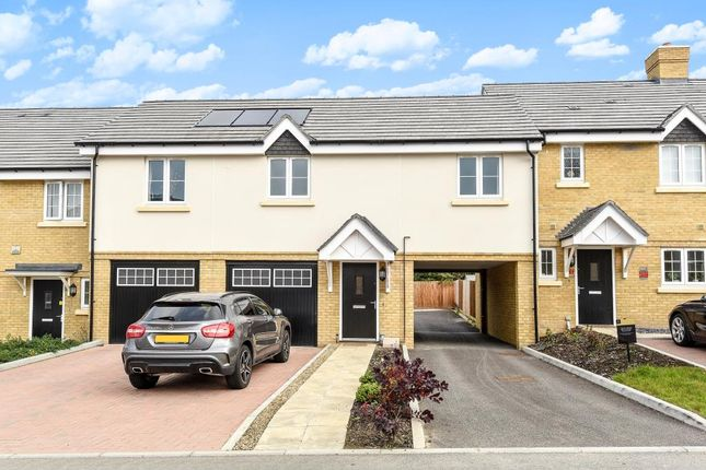 Thumbnail Flat for sale in Knaphill, Woking