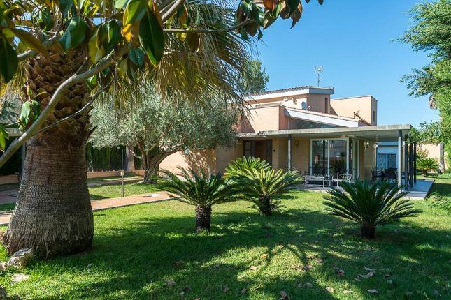 6 bed villa for sale in Serra, Valencia, Spain