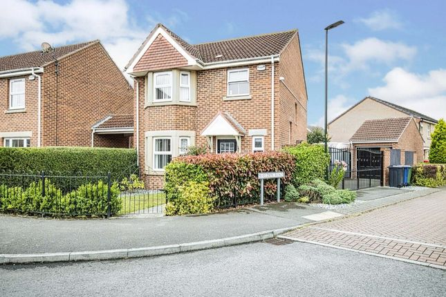 3 bed detached house for sale in Pennistone Place, Scartho Top, Grimsby DN33