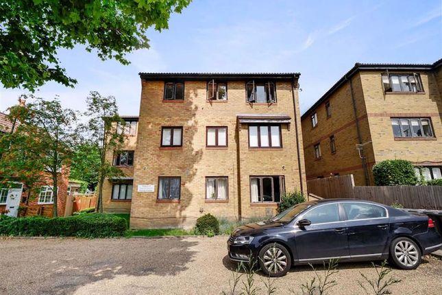 2 bed flat for sale in Sydenham Park Road, London SE26