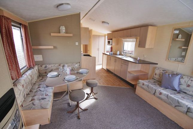 Open Plan Living of Ty Mawr, Towyn LL22