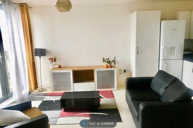 1 bed flat to rent in Hornsey Wood Court, London N4