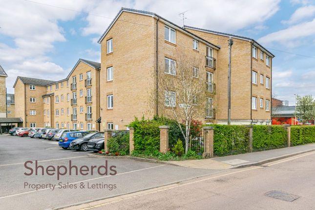 Thumbnail Flat for sale in Benstede Court, Brocket Road, Hoddesdon, Hertfordshire
