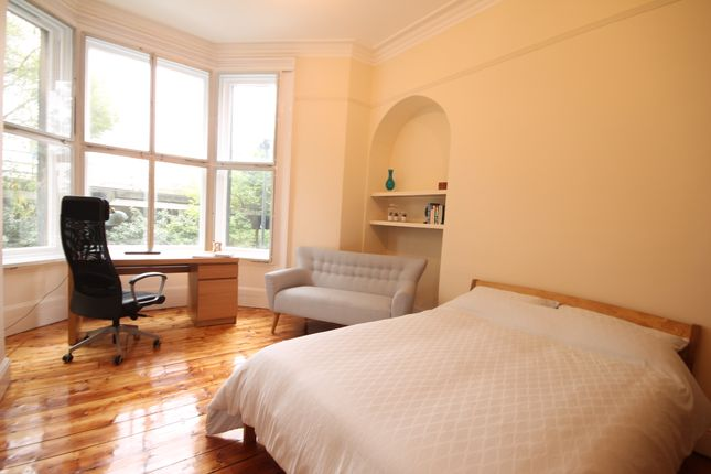 Thumbnail Terraced house to rent in Victoria Square, Jesmond, Newcastle Upon Tyne