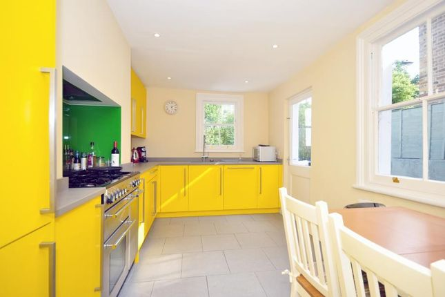 Thumbnail Property to rent in Rosaville Road, London