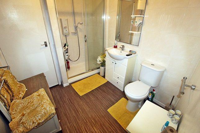 Bathroom of Penrhys Road, Tylorstown, Ferndale, Rhondda, Cynon, Taff. CF43