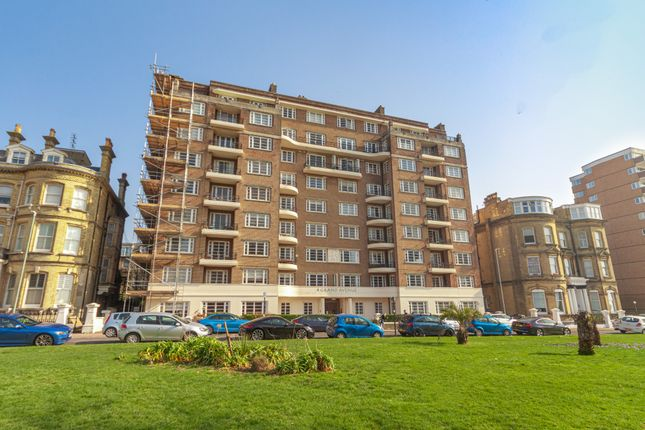 Thumbnail Flat for sale in 4 Grand Avenue, Hove