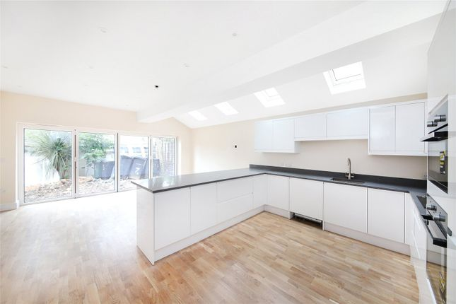Thumbnail Terraced house for sale in Duncombe Hill, Forest Hill