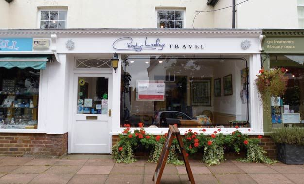 Retail premises to let in Kent House, 77 High Street, Cranleigh