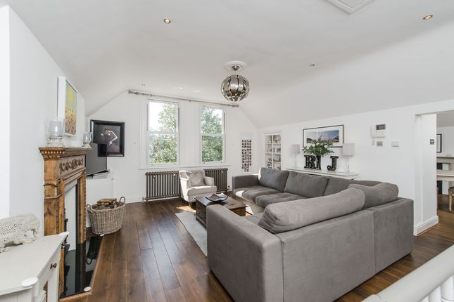 Thumbnail Flat for sale in Lingfield Road, London