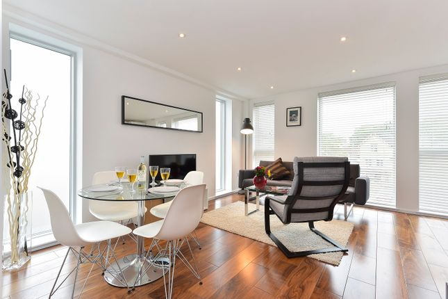1 bed flat to rent in Long Walk, London