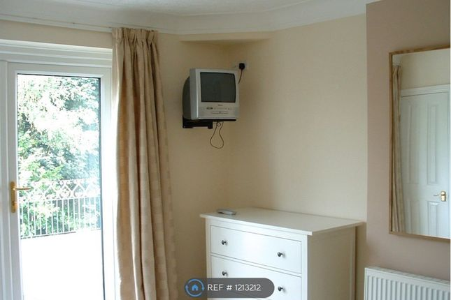 Thumbnail Room to rent in Ringlow Park Road, Swinton, Manchester