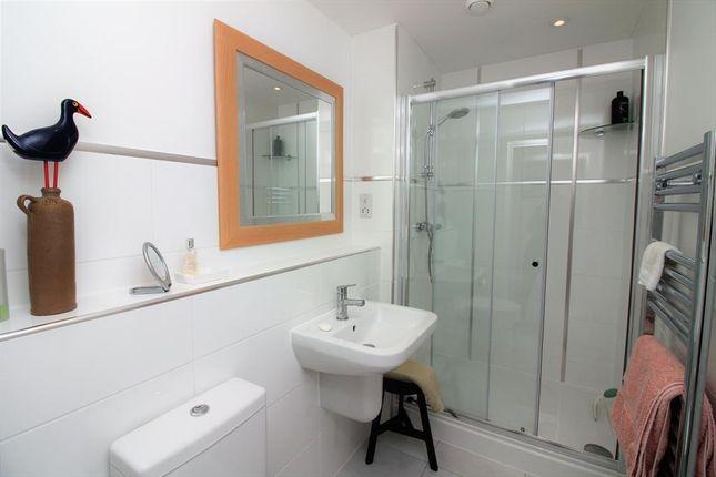 Master En-Suite of Mellor Close, Wharfedale Park, Otley LS21