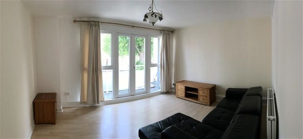 2 bed flat to rent in Springfield, Clapton, London