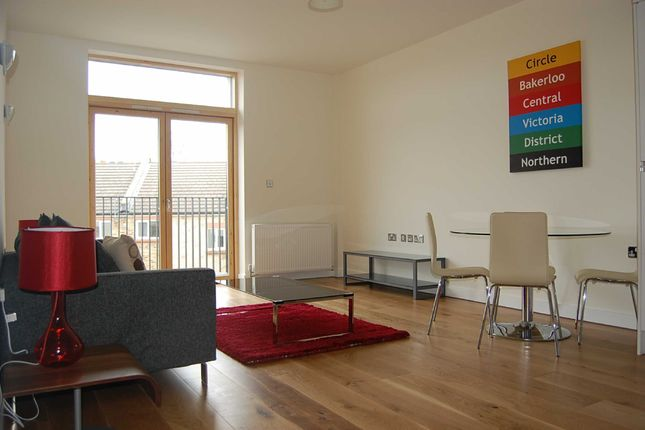 Thumbnail Flat to rent in The Courtyard, West Hampstead