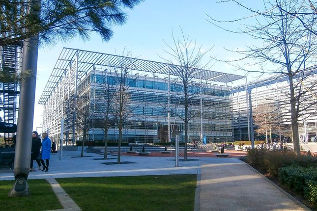 Thumbnail Office to let in Building 4 - Chiswick Park, Chiswick