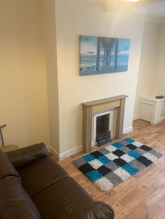 Thumbnail Room to rent in Tonna Road, Maesteg