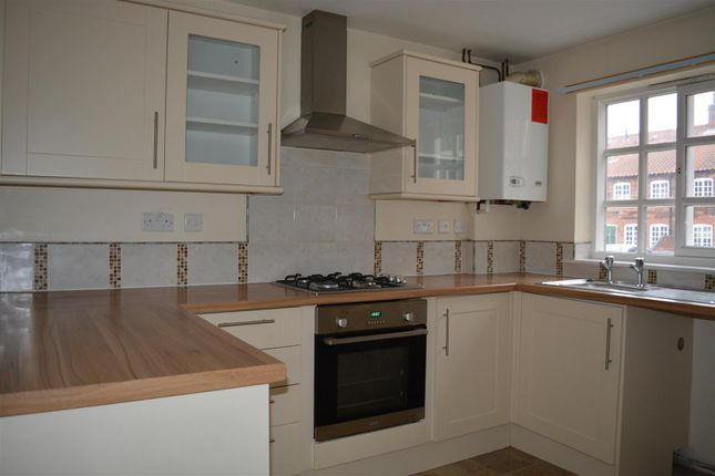 Thumbnail Town house to rent in Rowland Road, Scunthorpe