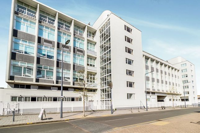Thumbnail Flat for sale in Lee Street, Leicester
