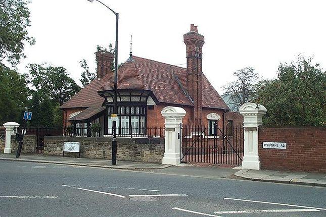 Thumbnail Bungalow to rent in North Jesmond Avenue, Jesmond, Newcastle Upon Tyne
