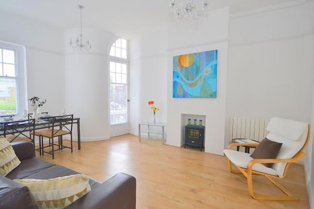 3 bed flat for sale in High Street, Shepperton TW17
